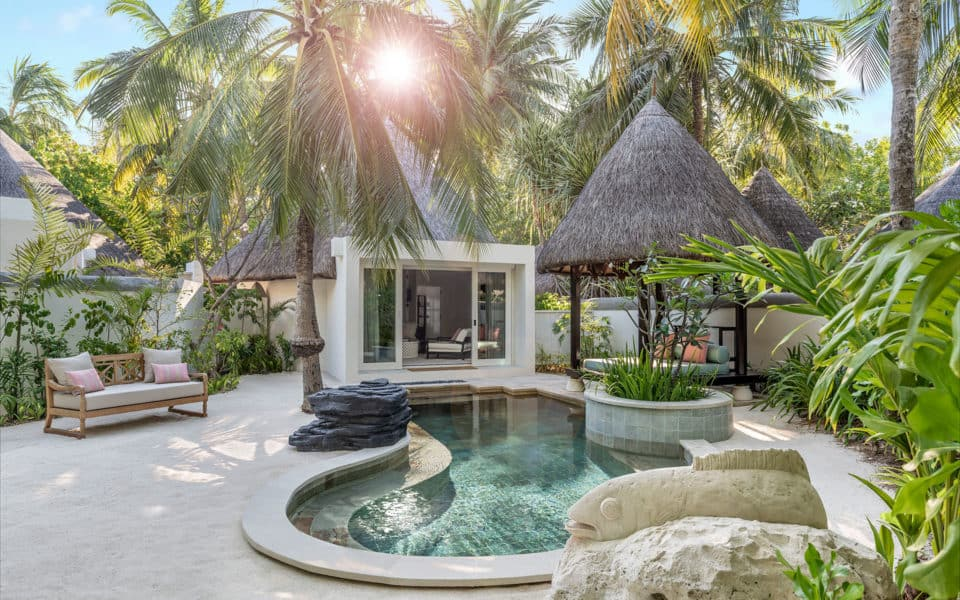 Four-Seasons-Kuda-Huraa-Beach-Pavilion-with-Pool