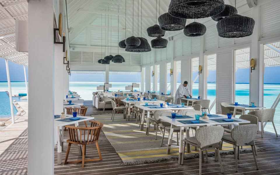 Four-Seasons-at-Landaa-Giraavaru-Blu-Beach-Club-Restuarant.