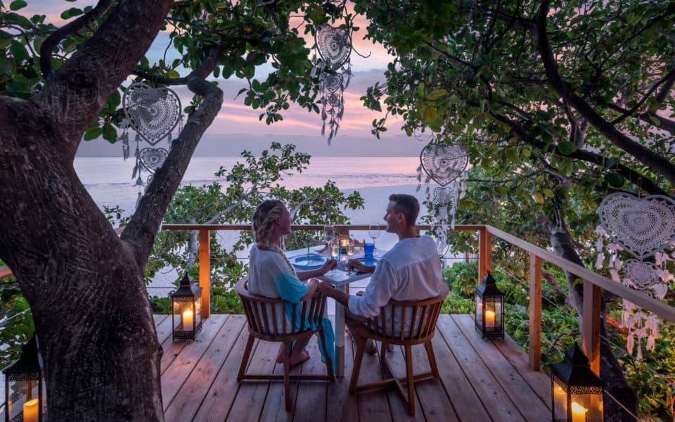 Four-Seasons-at-Landaa-Giraavaru-Tree-top-dining