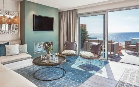 7 Pines Cliff Suite Duplex Deluxe Living Room