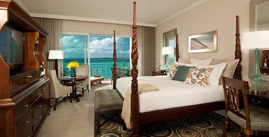 Balmoral Beachfront Club Level Room