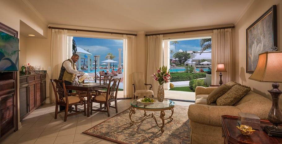 Windsor Oceanview Walkout One Bedroom Butler Royal Suite