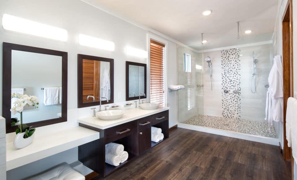 Hammock Cove Resort & Spa Bathroom