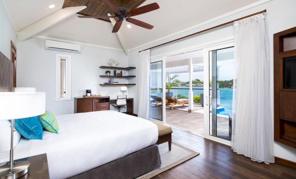 Hammock Cove Resort & Spa Bedroom