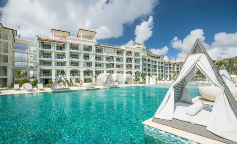 Sandal Royal Barbados Pool