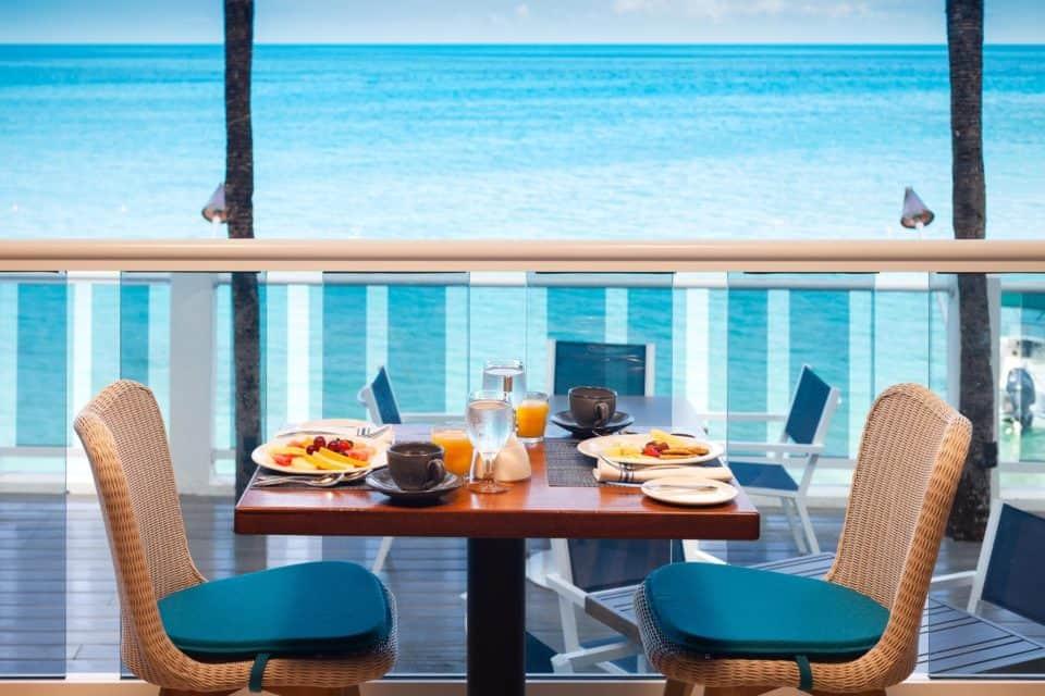 Waves Resort & Spa Dining