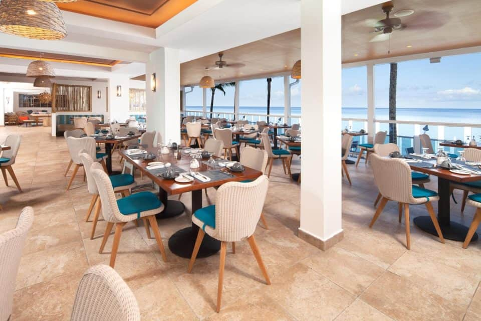 Waves Resort & Spa Restaurant