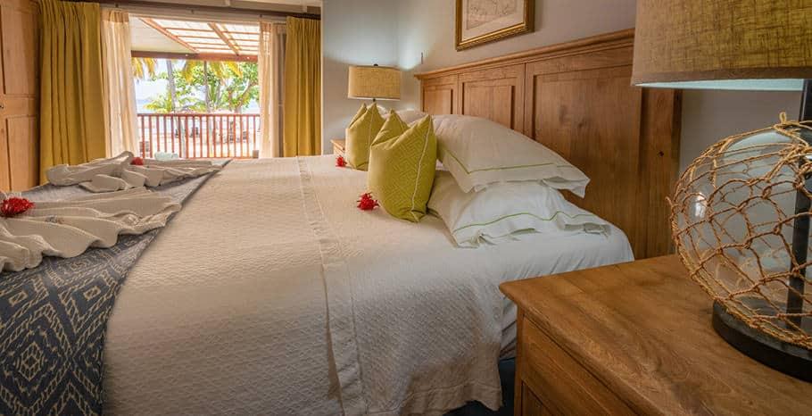 eastwinds-ocean-front-room-bed