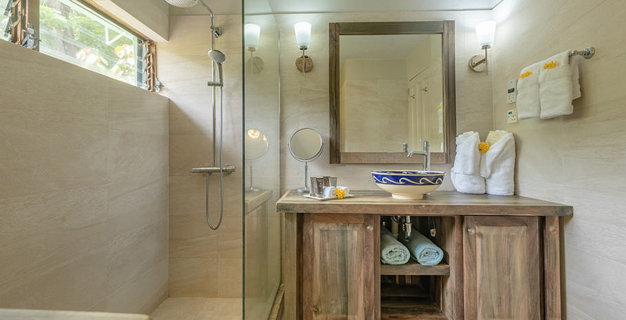 eastwinds-superior-cottage-washroom