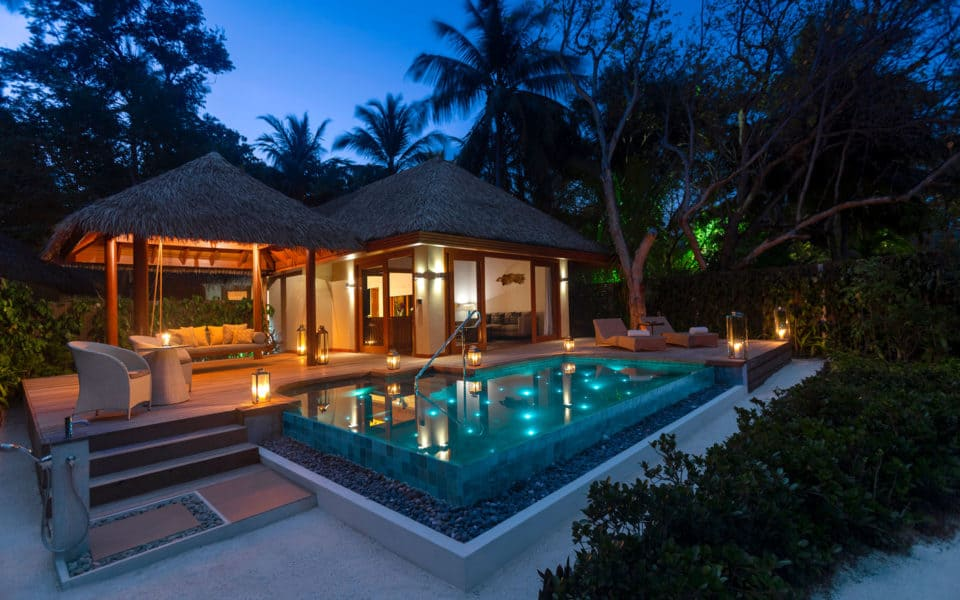 Baros-Maldives_Baros-Suite_Twilight