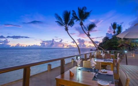Coco-De-Mer-Hotel-&-Black-Parrot-Suites-Hibiscus-Restaurant1