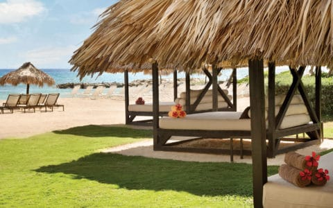 Hyatt-Zilara-Rose-Hall-Beach-Cabanas-01