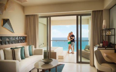 Hyatt-Ziva-Cancun-Guestroom