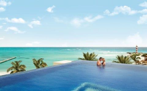 Hyatt-Ziva-Cancun-Pool