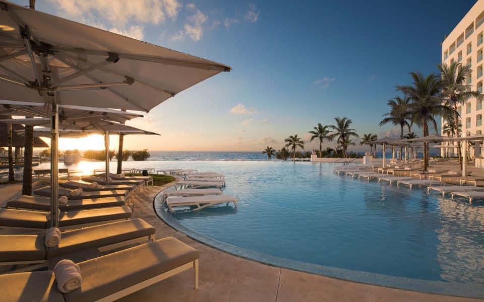 Le-Blanc-Spa-Resort-Can-Sol-Pool