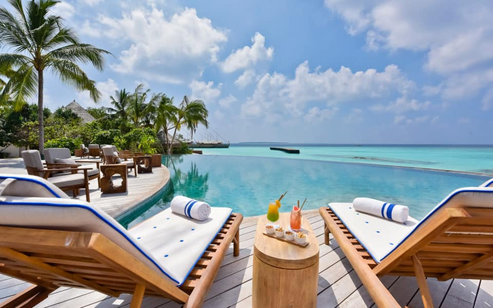 Milaidhoo Maldives Dining Compass Pool Bar