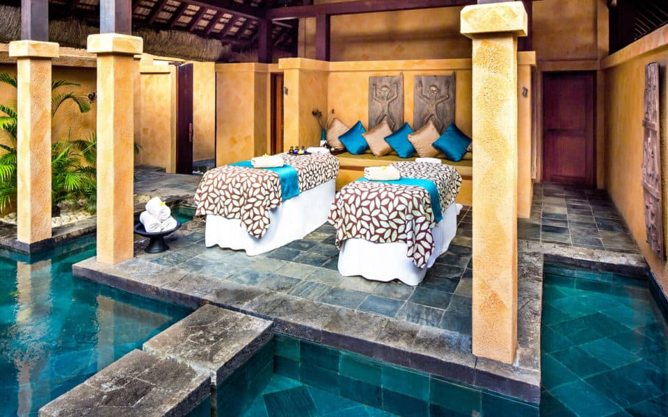 The Oberoi Beach Resort Spa Couples Suite