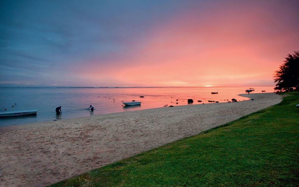 Tamassa-Sunset-Beach