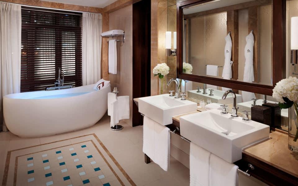The-Palace-Downtown-Dubai---Royal-Suite-Bathroom