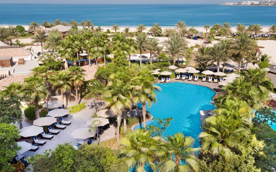 The-Ritz-Carlton,-Dubai-Club-Lounge