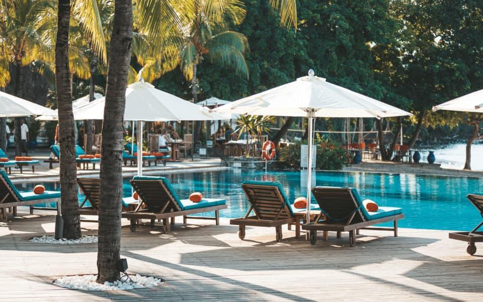 sands-suites-resort-Poolside-1