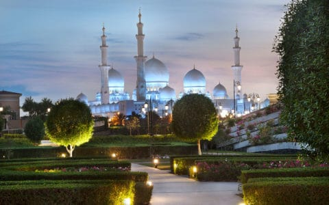 the_ritz-carlton_abu_dhabi_grand_canal_villa_mosque_at_night