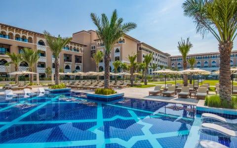 Rixos-AUH-Saadiyat-Main-Swimming-Pool-2