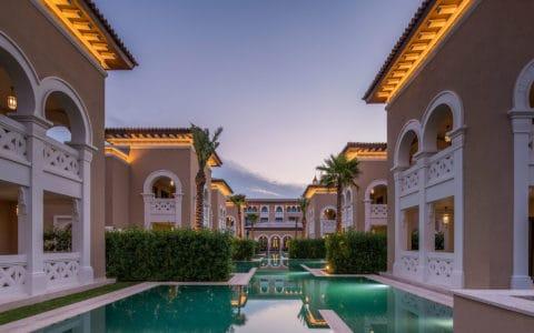 Rixos-AUH-Saadiyat-Three-Bedroom-Villas_Shared-Pool
