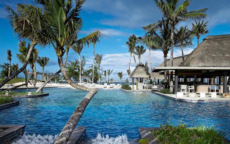 long-beach-mauritius--pool