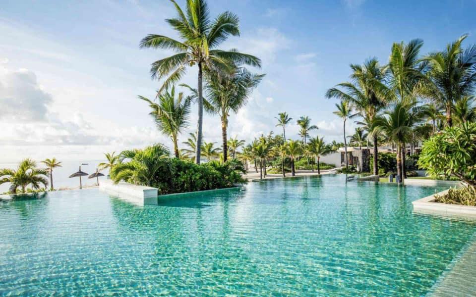 long-beach-mauritius--pool1