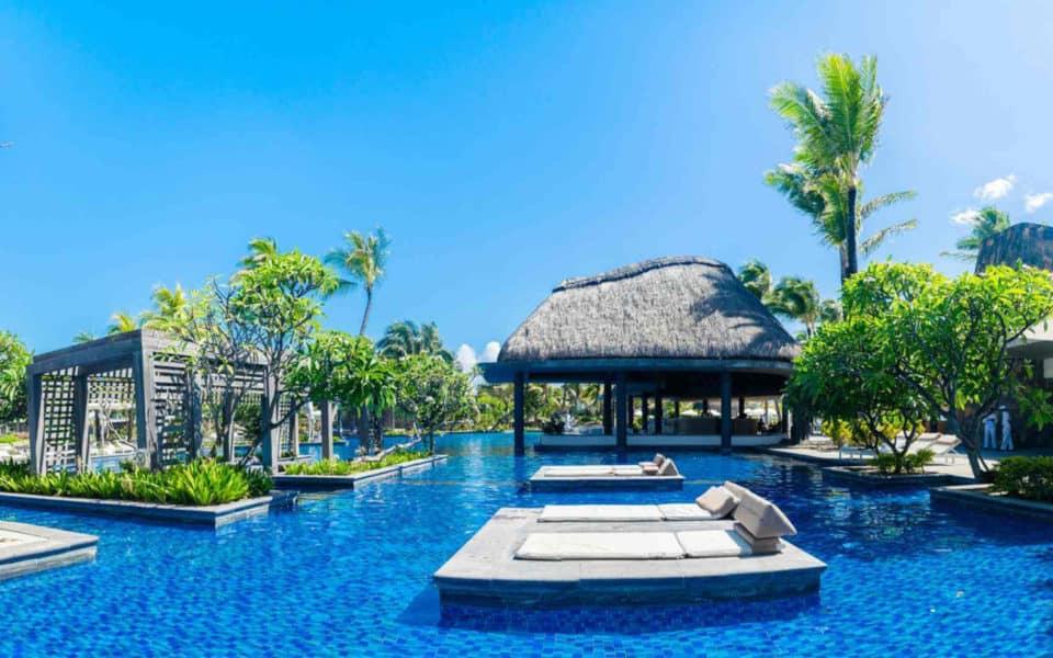 long-beach-mauritius--pool3